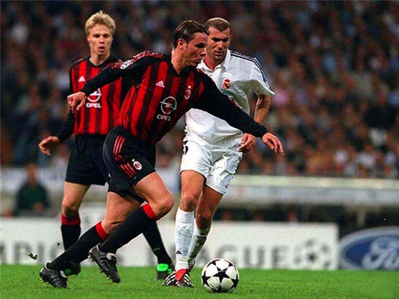 两拒世界杯的皇马王子,两阻皇马助巴萨逆袭,在米兰养伤不要工资