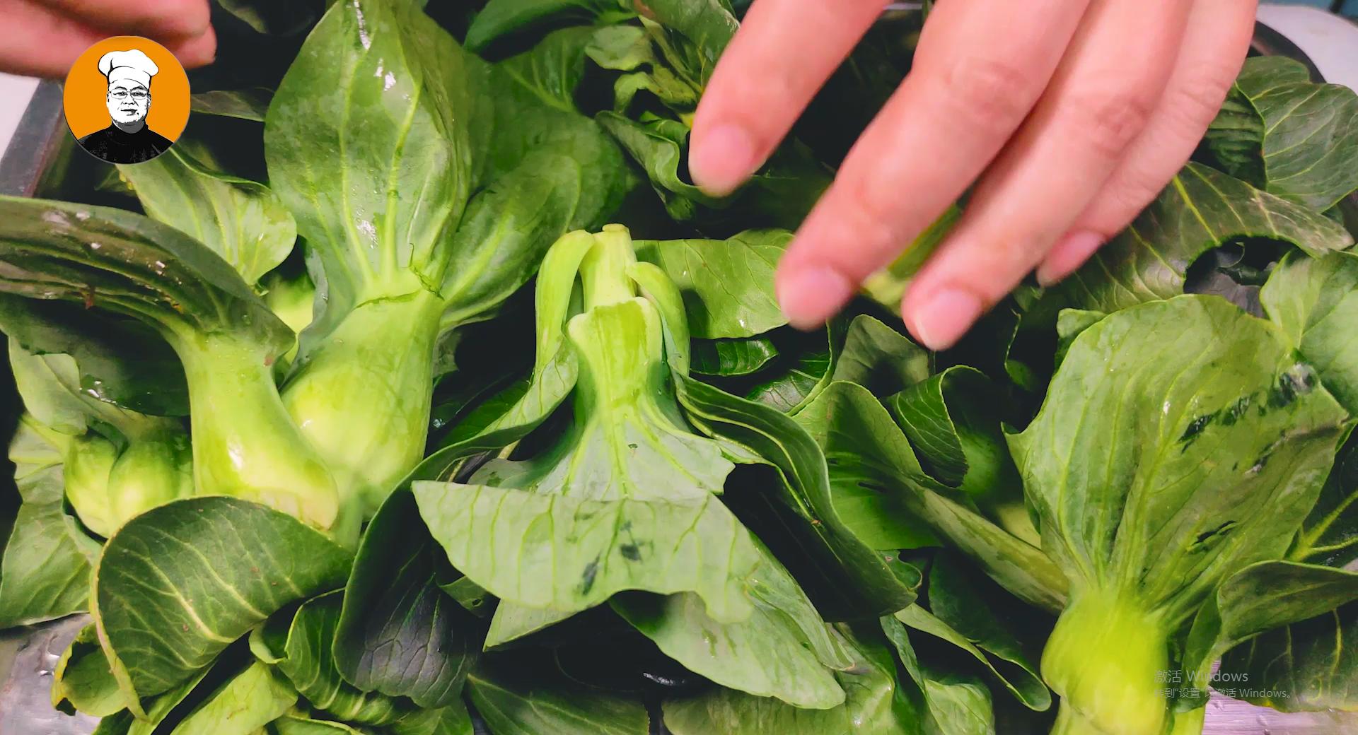 在家也能做大厨,炒青菜好吃有诀窍,记住这3点,翠绿入味有营养