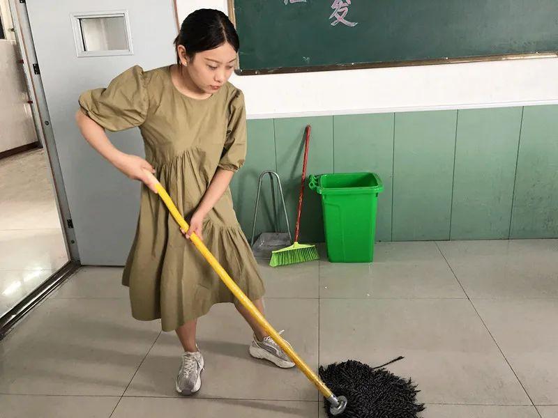 捧着一颗心来,不带半颗草去|致敬卧龙博雅学校全体班主任