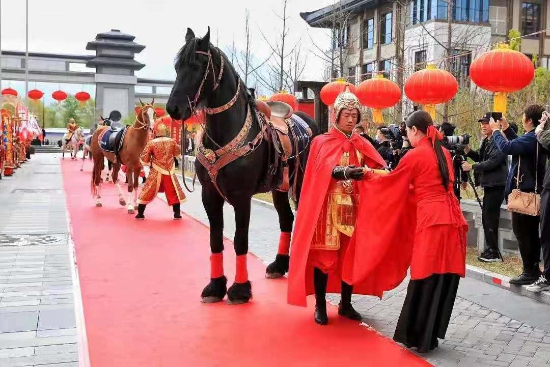 """""""温太医""""来了保定,华中国风文化节启幕 游客五一假期可免费去涞源体验"""