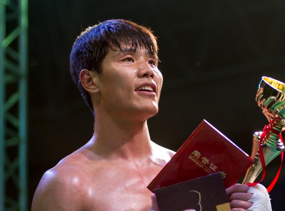 方便解释为何没参加UFC,专家:若早练综合格斗成就将超李景亮