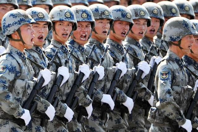 中国究竟有多强大,不服的美国军人走遍全中国,回国后彻底服气