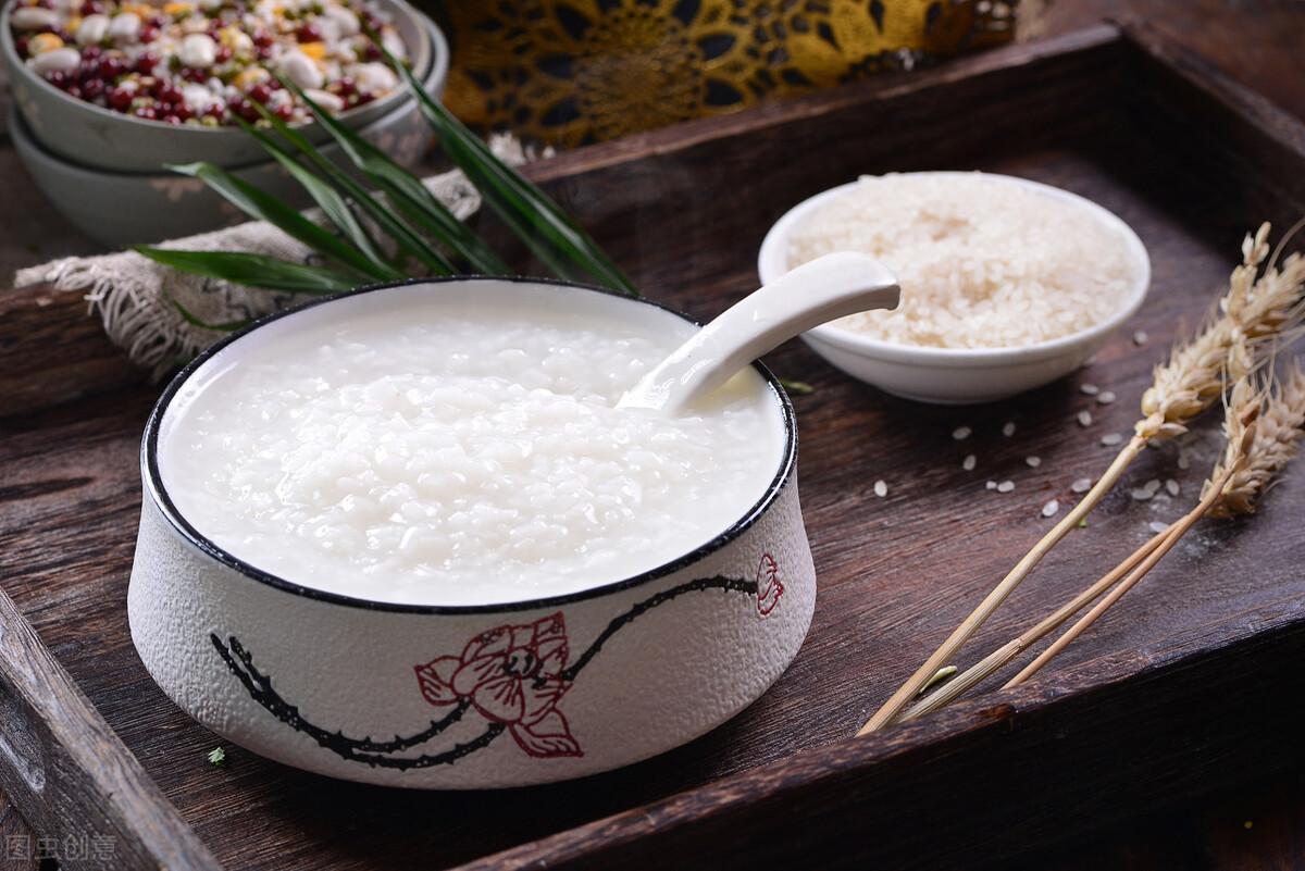 煮白粥有技巧,不要直接加水煮,粥铺老板分享一招,香浓又绵稠