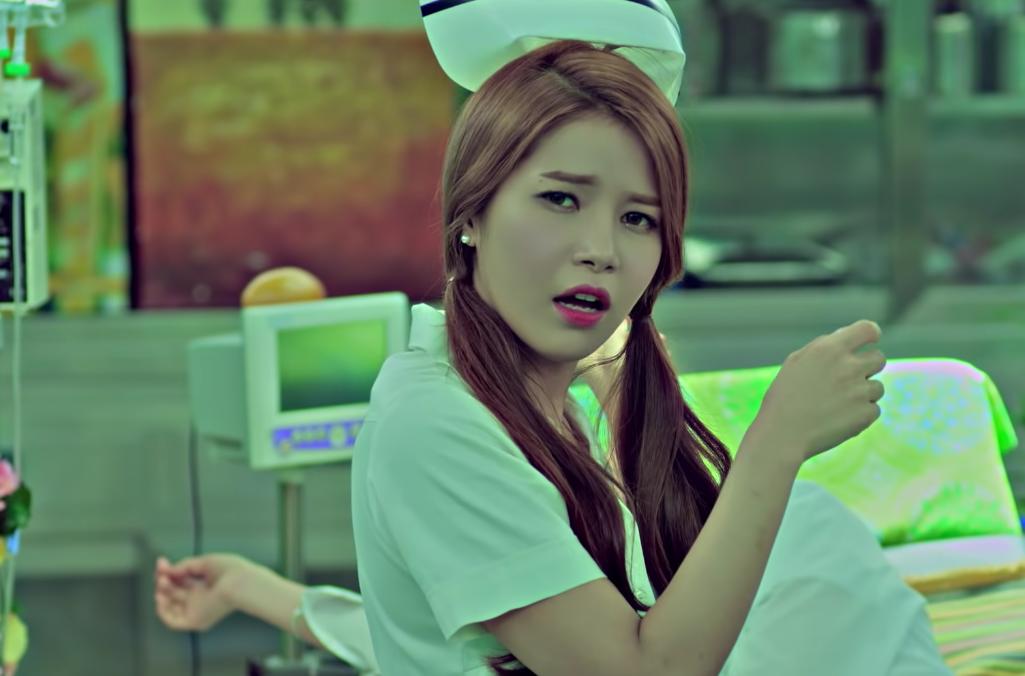 YG删掉护士装片段后,MAMAMOO的MV也受到了网友质疑