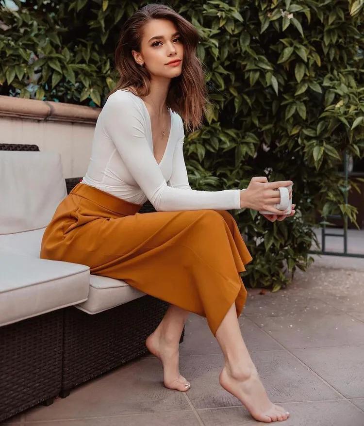 美国模特 Michelle Ellyse Schlaman