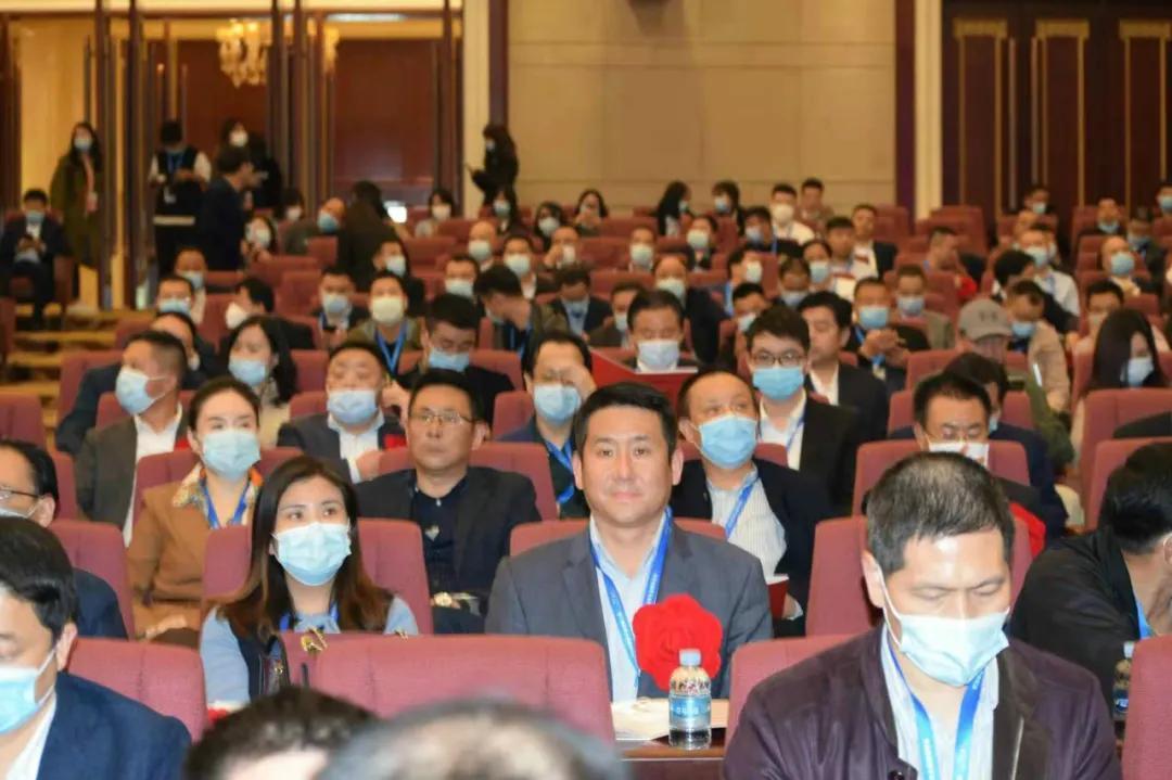 华利浦总经理邹峰被授予楚商抗击新冠肺炎疫情先进个人荣誉称号
