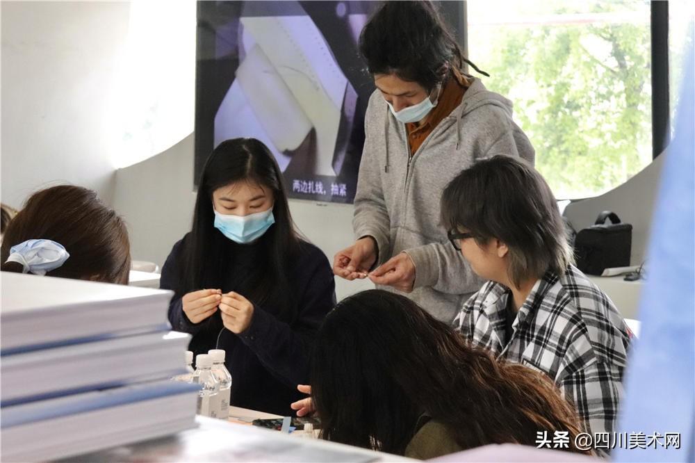 黄杰个展《个体工厂》在艺文立方开幕