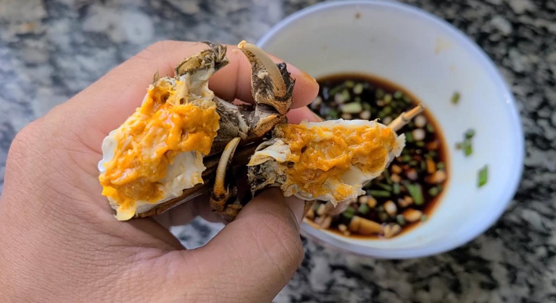 廣東焗螃蟹的做法,簡單好吃香味濃,滿滿的蟹黃看著就饞