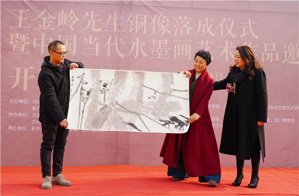 画家王金岭先生铜像在故乡落成