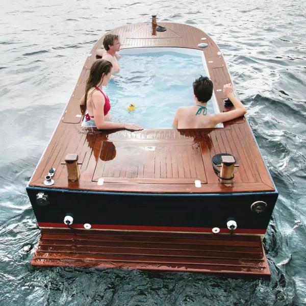 海上移动浴缸Hot Tub Boats开启脑洞大开的出海模式