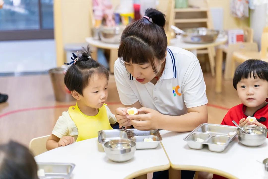 广东惠州第三人民医院一行来郑医·汇爱托育中心观摩学习育托工作