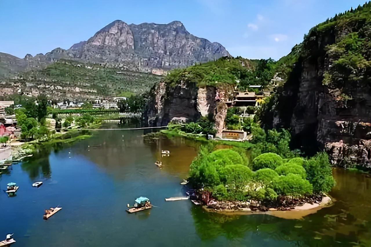 北京周边的神堂峪风景区,不仅有山有水,地理位置还十分便利