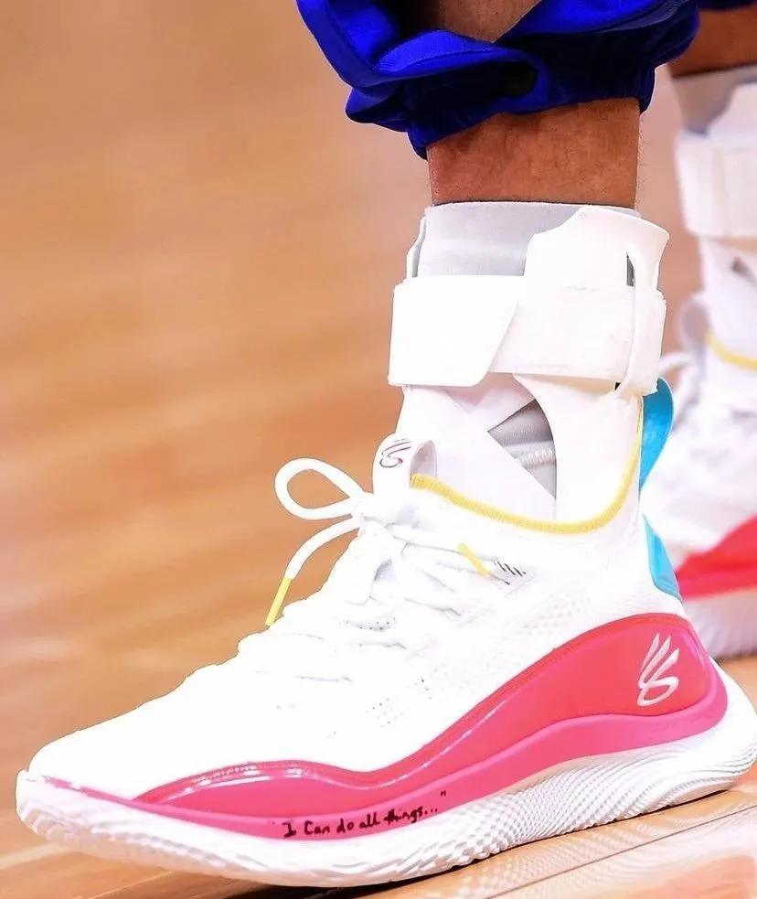 NBA球员上脚:库里单场53分战靴,海沃德2代又有新配色