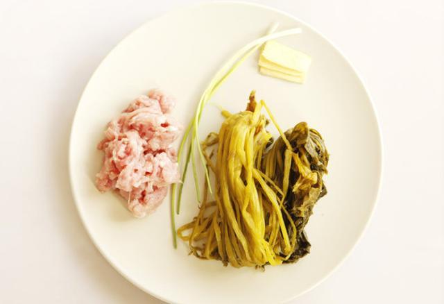 雪菜肉丝面的做法步骤图面条怎么做好吃快来看厨师长这道雪菜