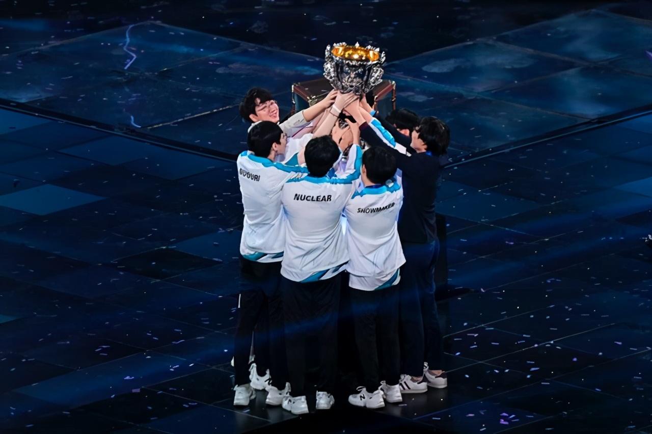"S10,韩国人赢了比赛!中国人却有可能赢得""世界"""